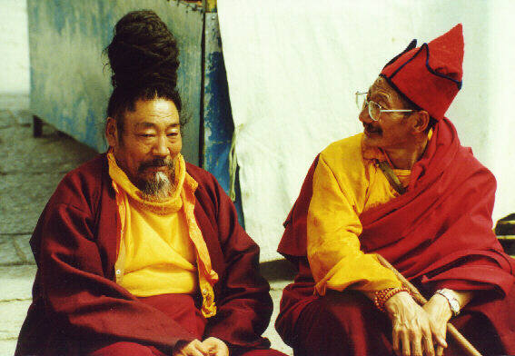 Тибетские монахи ламы